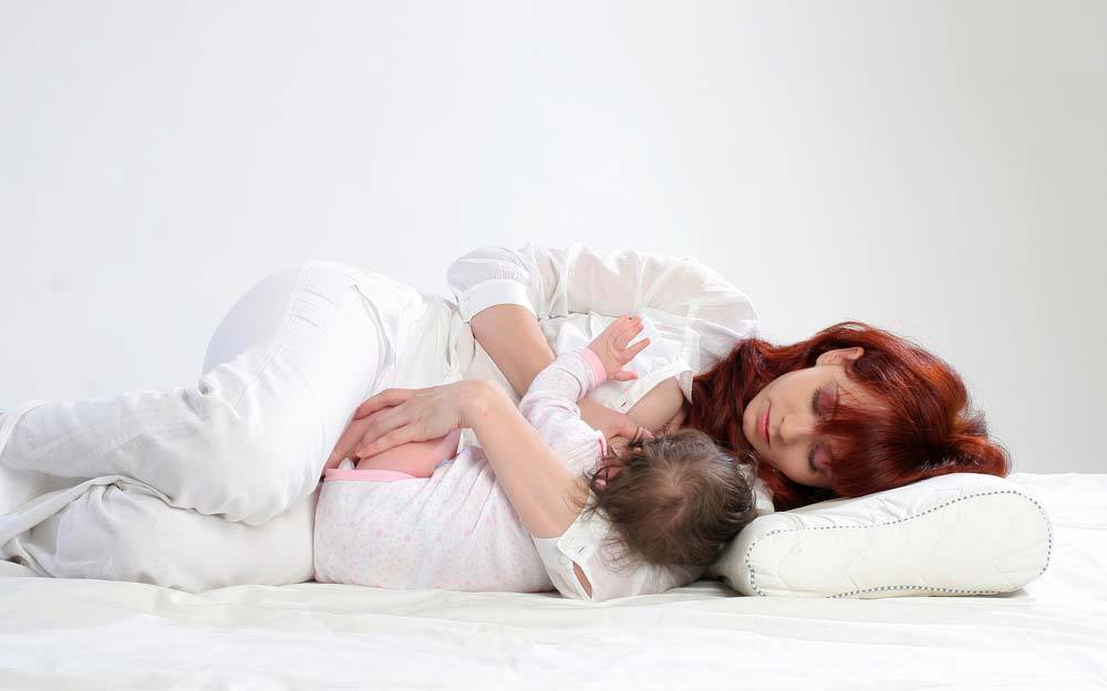 breastfeeding position - side lying